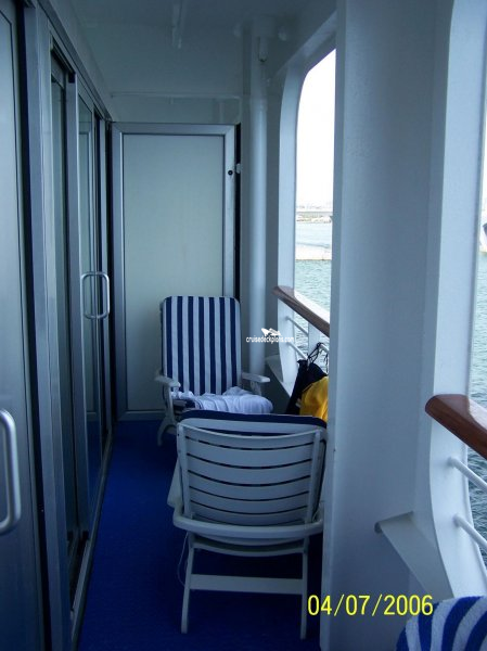 Sun princess deck plans diagrams pictures video for Cruise balcony vs suite