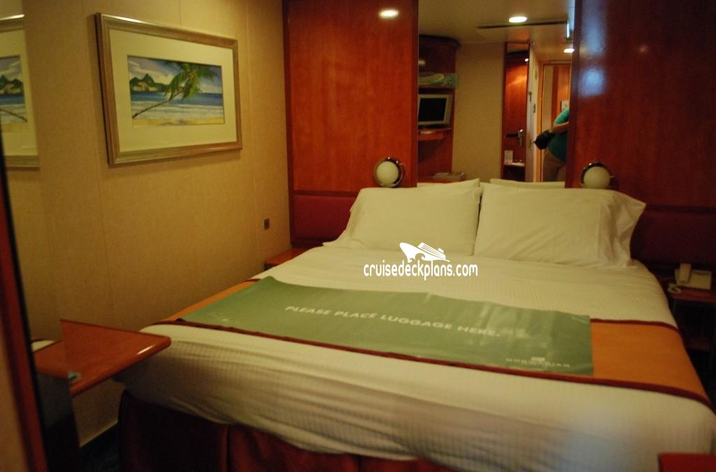 Norwegian Gem Deck 4 Deck Plan Tour