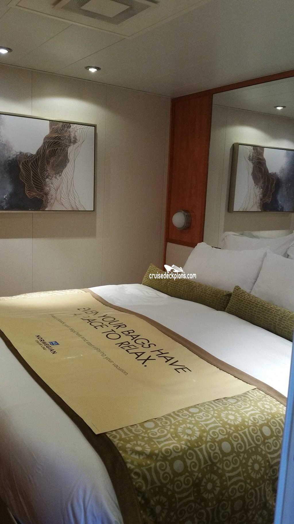2 Bedroom Suites Portland Oregon: Pride Of America 2-Bedroom Family Suite Stateroom