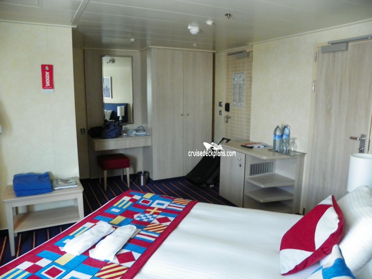 Carnival Vista Deluxe Oceanview Stateroom