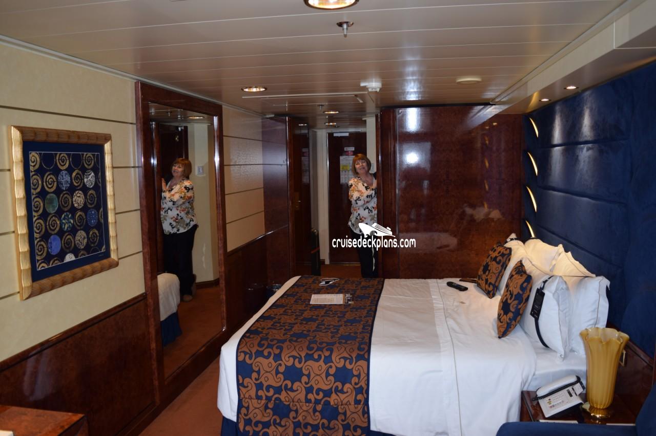 Msc splendida deck plans diagrams pictures video yacht club suite cabin picture baanklon Gallery