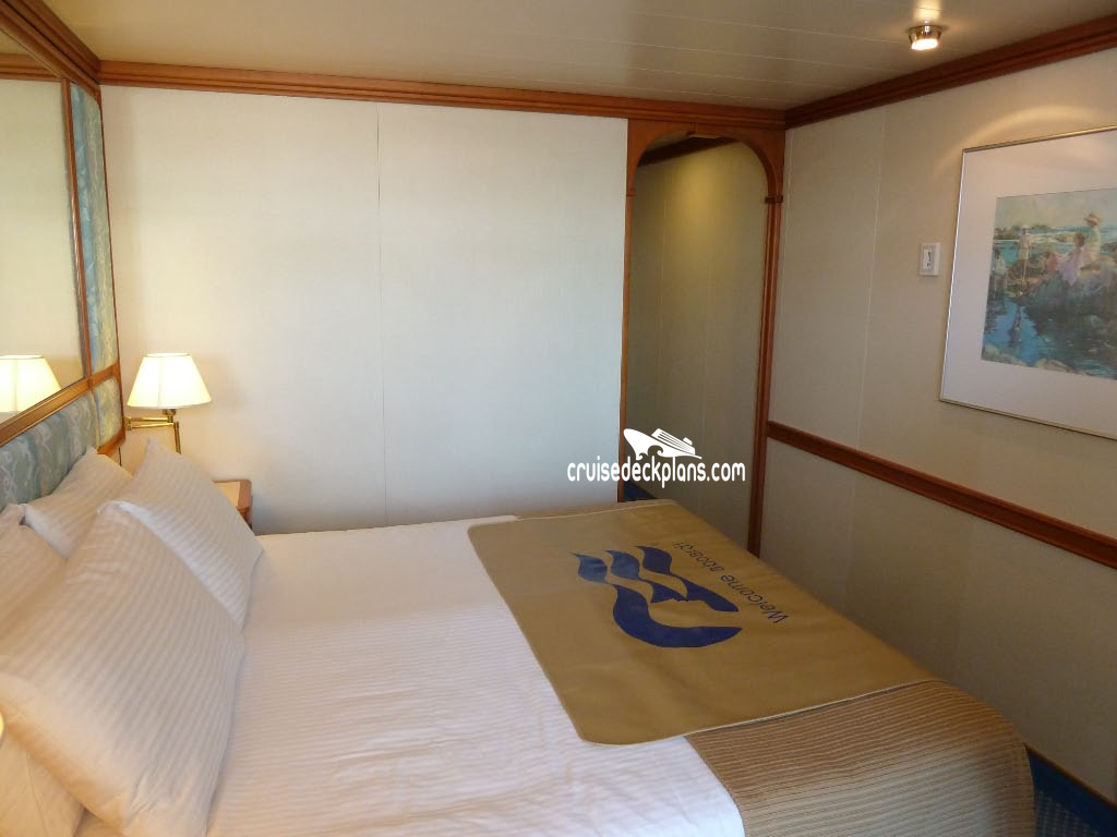 Sapphire princess balcony stateroom for Balcony stateroom