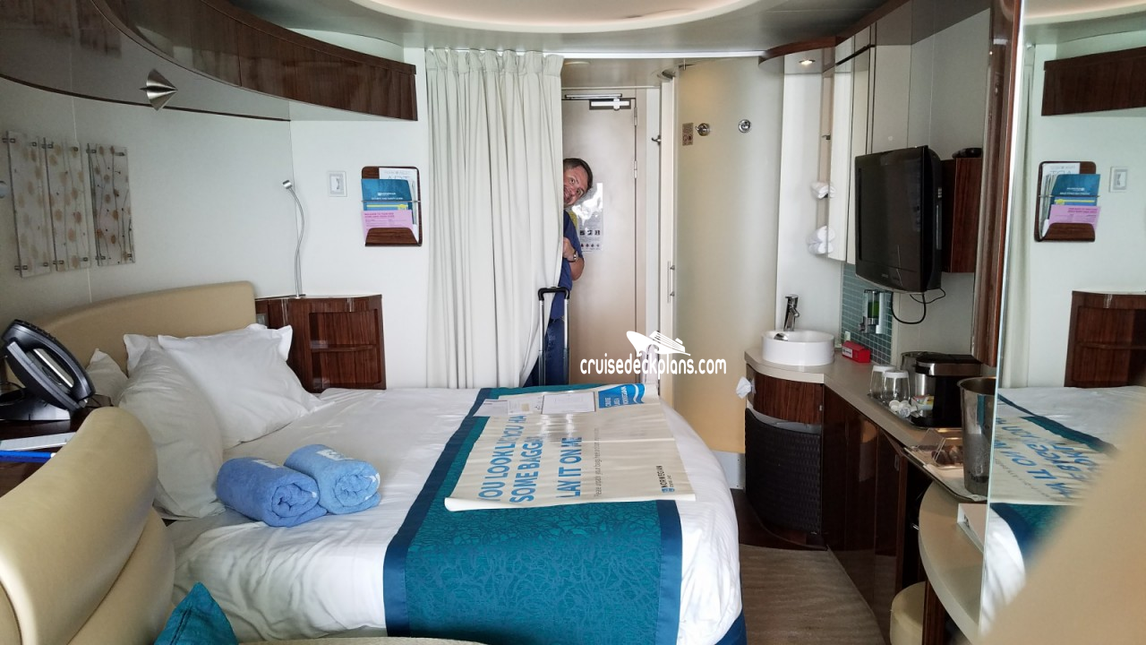 Norwegian epic deck plans diagrams pictures video for Balcony stateroom