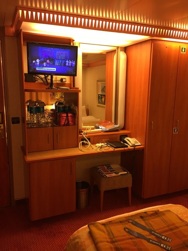 Carnival Conquest Class Interior With Picture Window