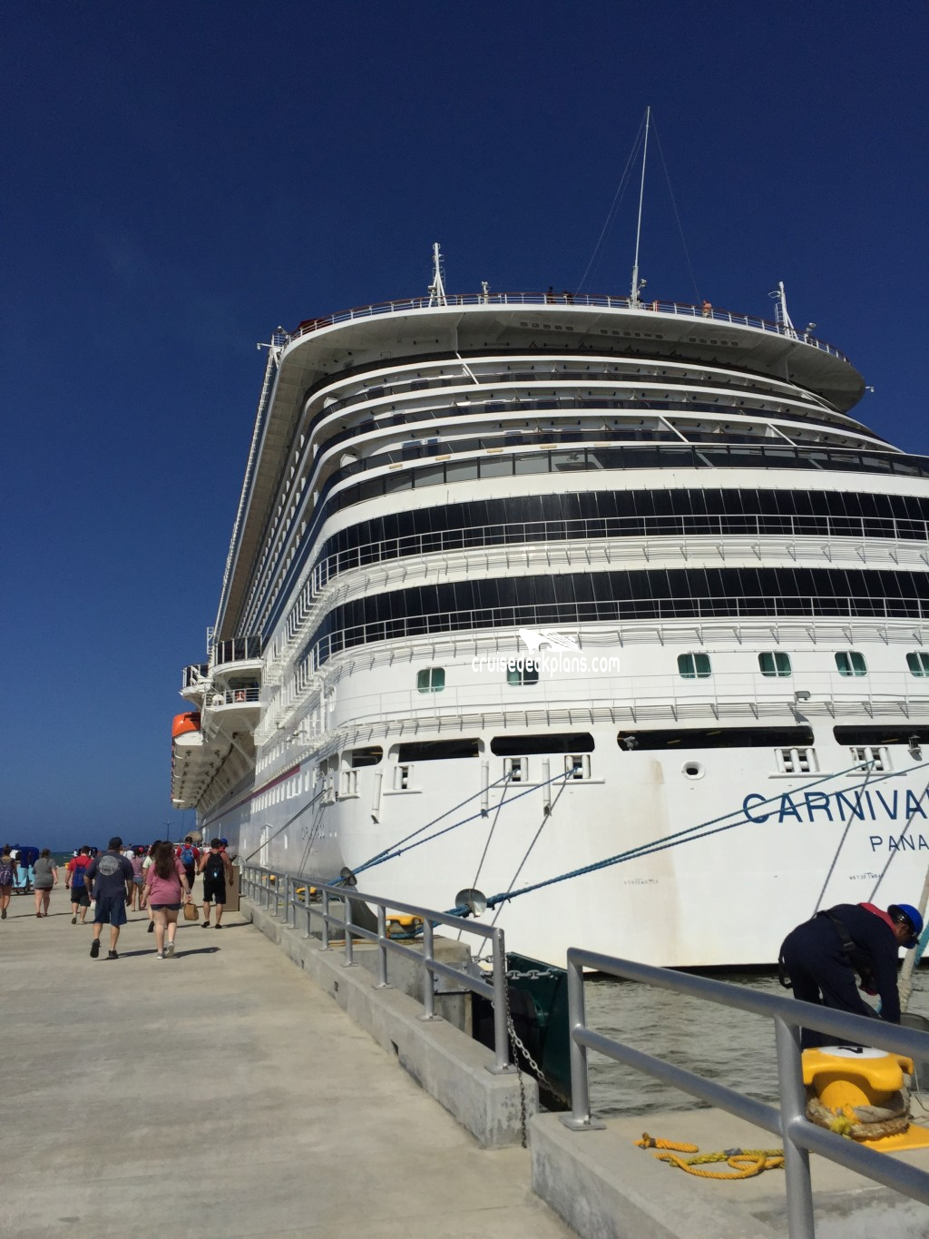 Exterior: Carnival Magic Exterior Pictures