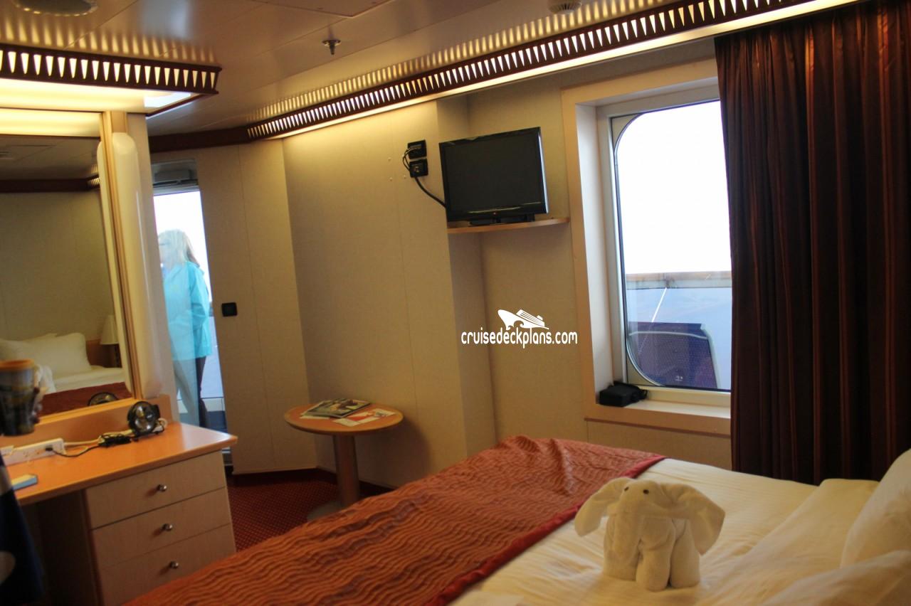 carnival dream premium balcony stateroom. Black Bedroom Furniture Sets. Home Design Ideas
