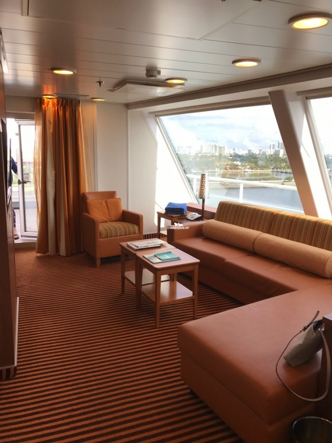 Carnival Glory Captains Suite Details