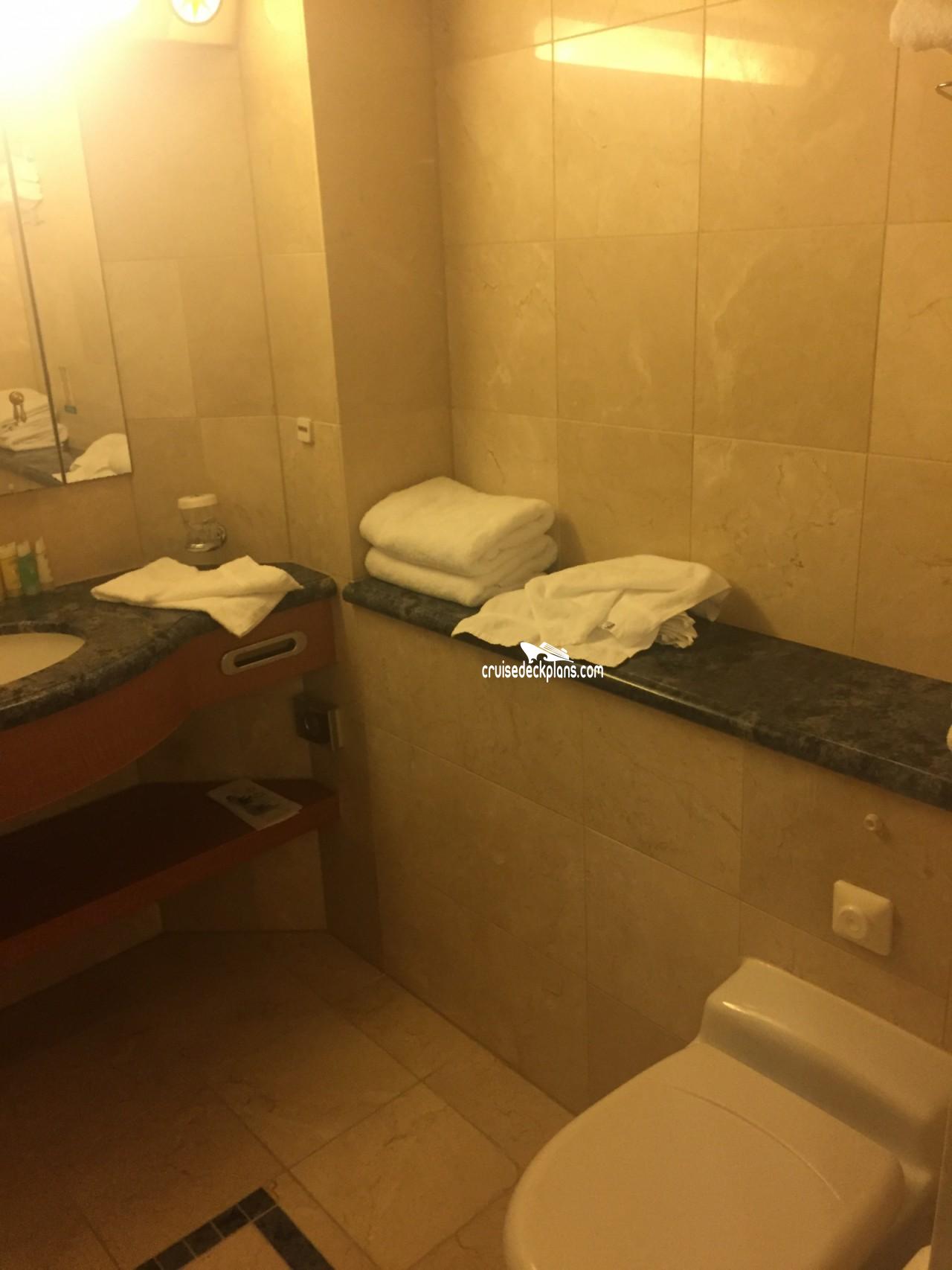 2 Bedroom Suites In Savannah Ga: Serenade Of The Seas Grand Suite