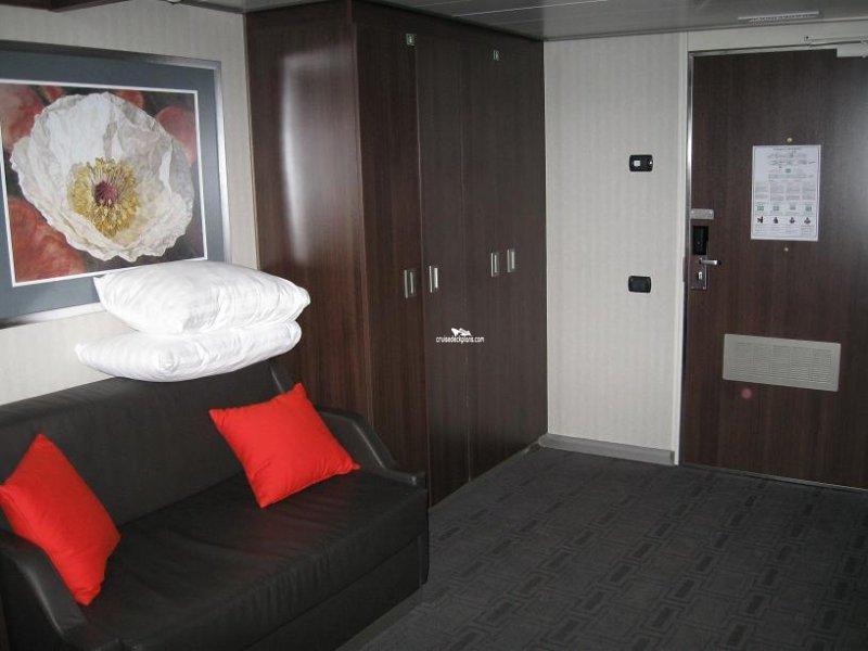 Eurodam Deluxe Verandah Suite Details
