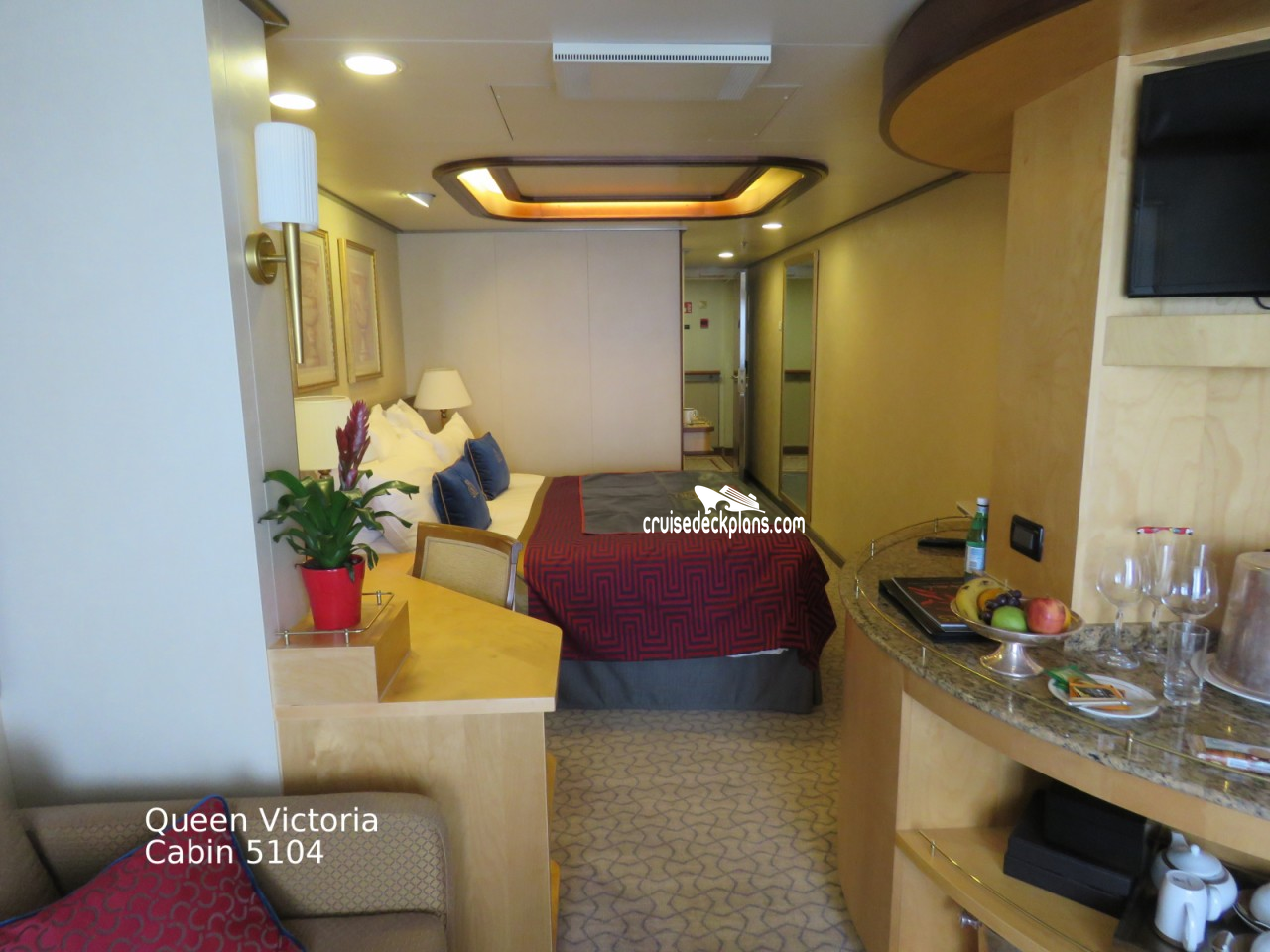 Click to zoom Princess Suite Cabin Picture