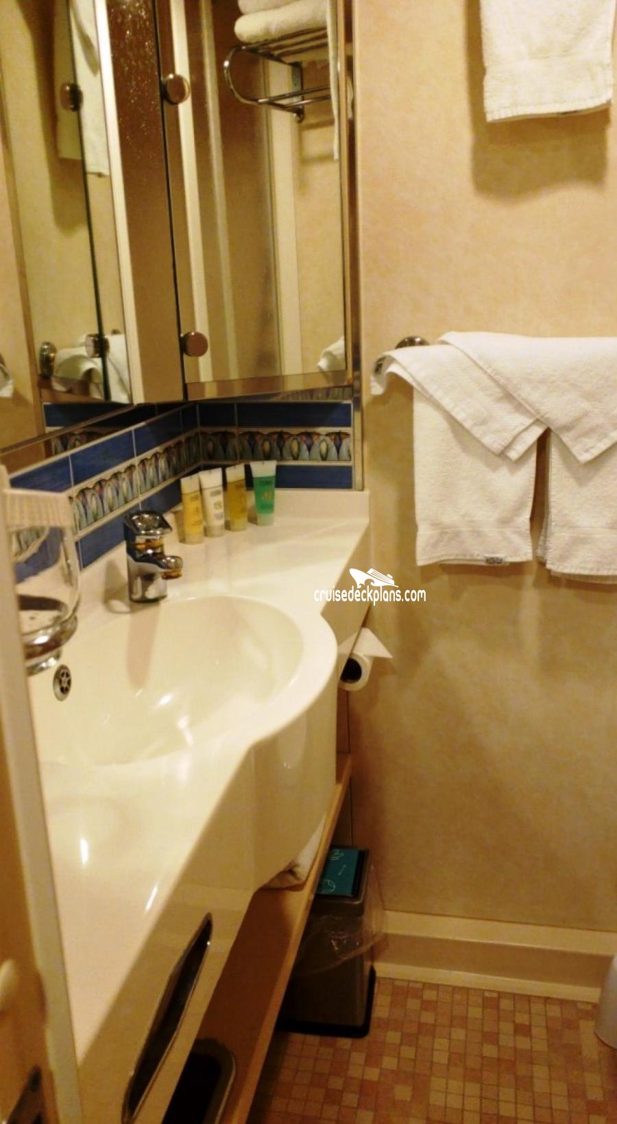 Three Bedroom Suite Disneyland Hotel Layout: Adventure Of The Seas Grand Suite