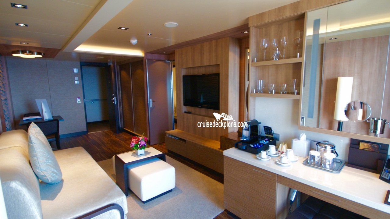 Click to zoom Spa Suite Cabin Picture
