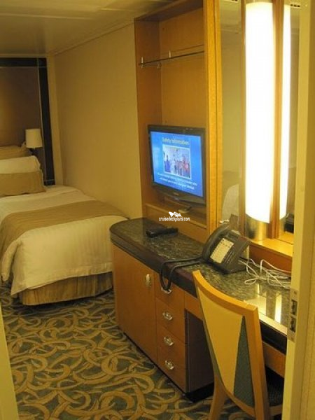 2 Bedroom Suite Mandalay Bay: Independence Of The Seas Grand Suite