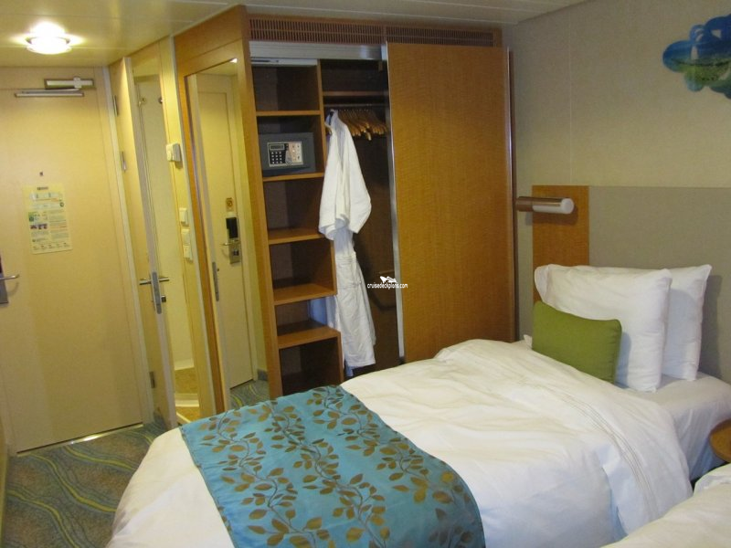 Royal caribbean oasis class interior for Allure of the seas interior