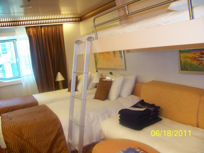 Carnival Dream Class Deluxe Oceanview