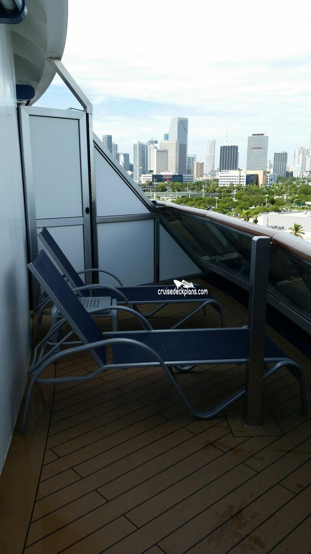 Balcony Floor Design: Carnival Breeze Premium Balcony Stateroom