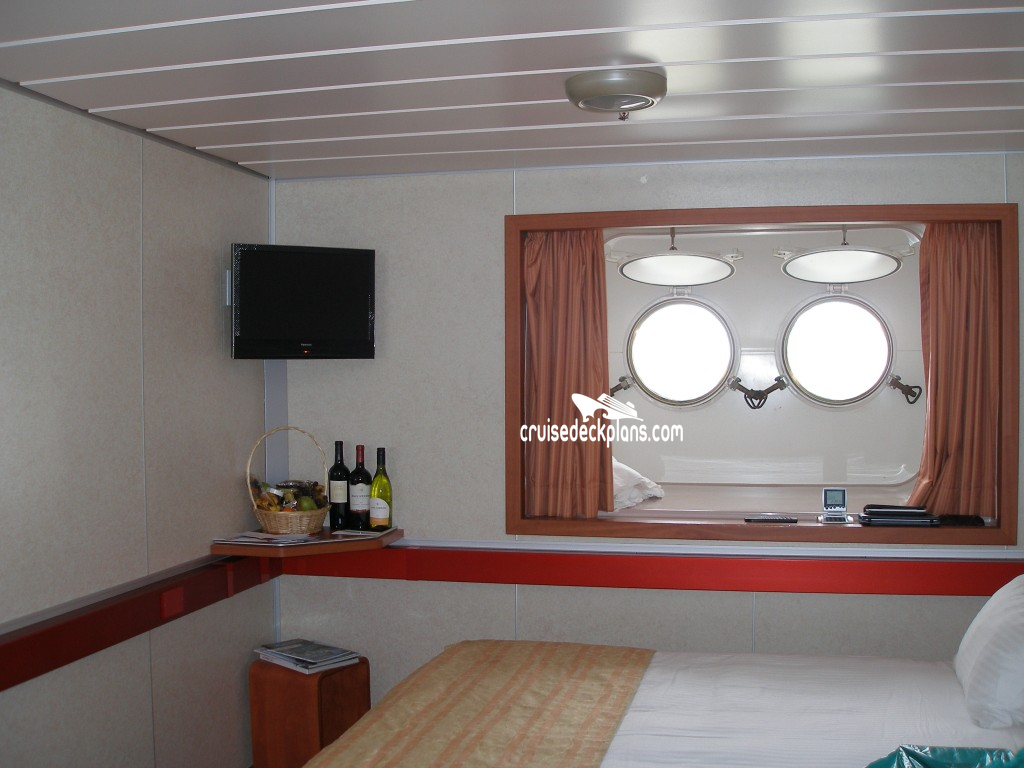 Click to zoom Porthole Cabin Picture