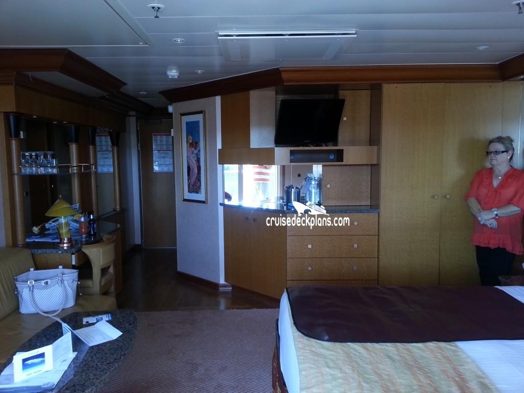 Carnival Spirit Ocean Suite Category - Carnival spirit cruise ship cabins