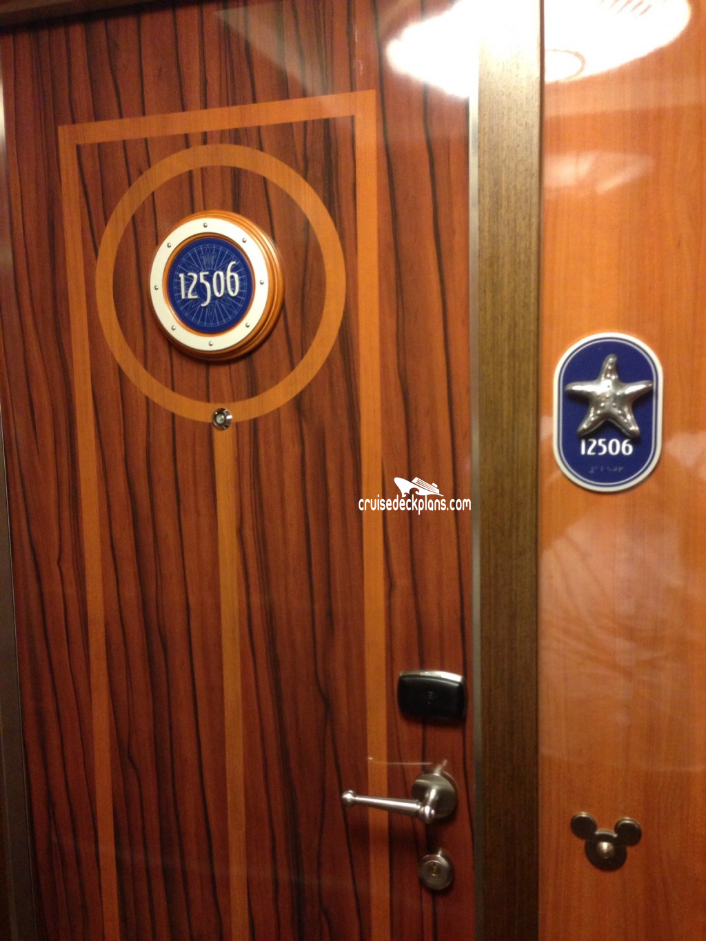 [ IMG] & magnets on concierge doors? | The DIS Disney Discussion Forums ...