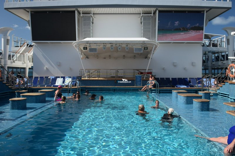 Norwegian Escape Main Pool
