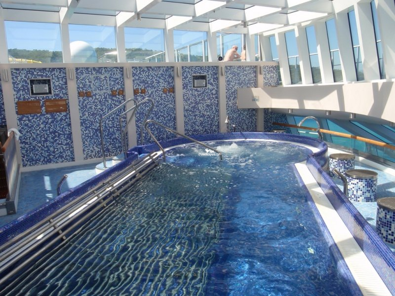 Carnival Breeze Thalassotherapy Pool Pictures