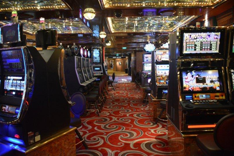 Summit casino binions horseshoe hotel and casino