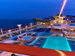Norwegian Escape Main Pool Andreas Depping