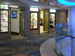 Norwegian Escape Tradewinds and Duty Shops Lou
