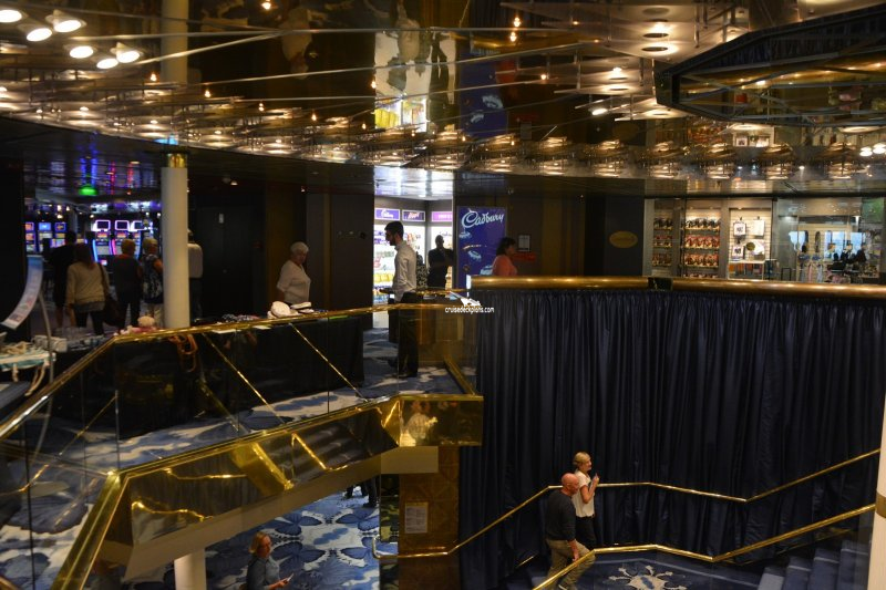 Pacific eden atrium pictures for 18th floor balcony live