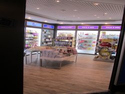 Pacific Aria Tax and Duty Free Shops Pictures