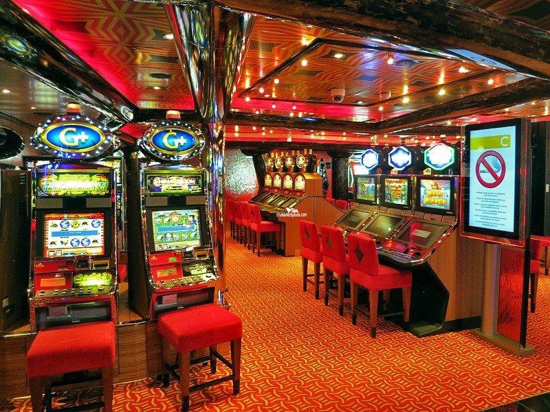 На видео игровые автоматы реальные как в играть вулкан деньги