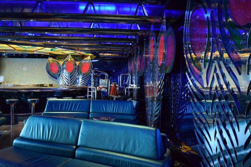 Blue Sky Cafe And Lounge