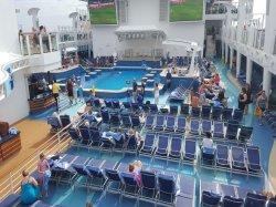 Norwegian Escape Main Pool Edvin Cerimagic
