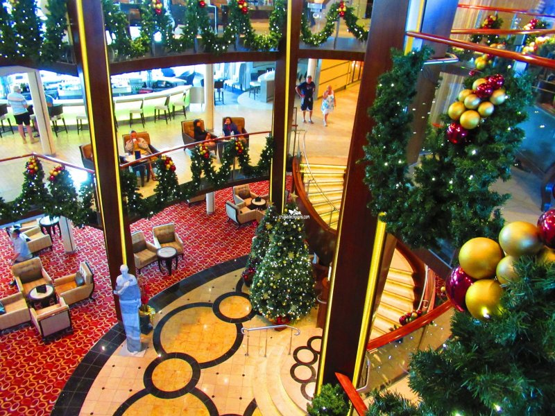 Cruise Bars: Cruise Ship Lounges & Clubs | Celebrity Cruises