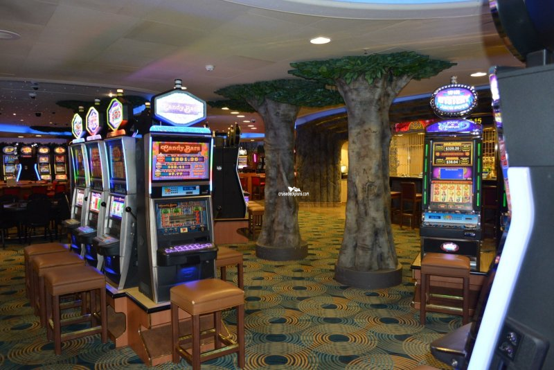 Diamond Princess Grand Casino Pictures